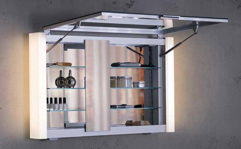 Шкаф-зеркало с открытием дверцы вверх